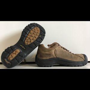 KEEN BRIGGS II WEAN Sz 9.5 Nubuck Leather Shoes
